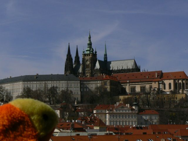 http://sweb.cz/slavnigeniove/small_fry-prague-castle.jpg