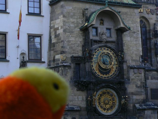 http://sweb.cz/slavnigeniove/small_fry-prague-clock.jpg